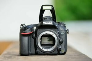 Canon Vs. Nikon: Pickup Your Brand For Best Results